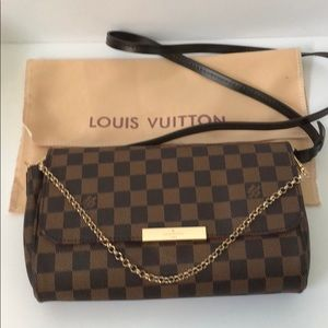 Handbags - Louis Vuitton crossbody
